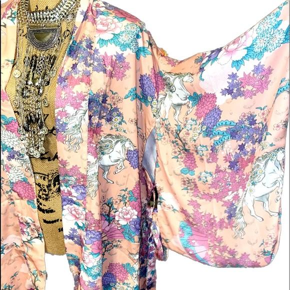 LAST-Pink Bat Wing Wild horses Kimono